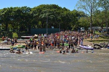 Cruce del río a nado Concordia - Salto
