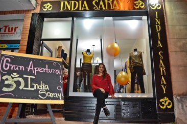 India Saray inauguró su local de Indumentaria & Calzado