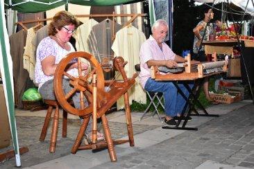 La clásica feria de artesanos en Semana Santa