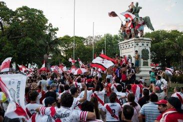 Festejo monumental en la plaza 25 de Mayo