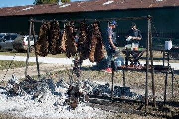 Cenizas quedaron de la 1ª Fiesta Criolla de Cocina al fuego