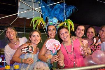 El carnaval se vive en las tribunas y las gradas del corsódromo PARTE 2