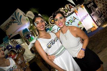 Hey!! Foto!! Foto!! en la cuarta noche del Carnaval de Concordia PARTE 2