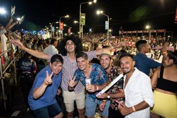 Hey!! Foto!! Foto!! en la cuarta noche del Carnaval de Concordia PARTE 3