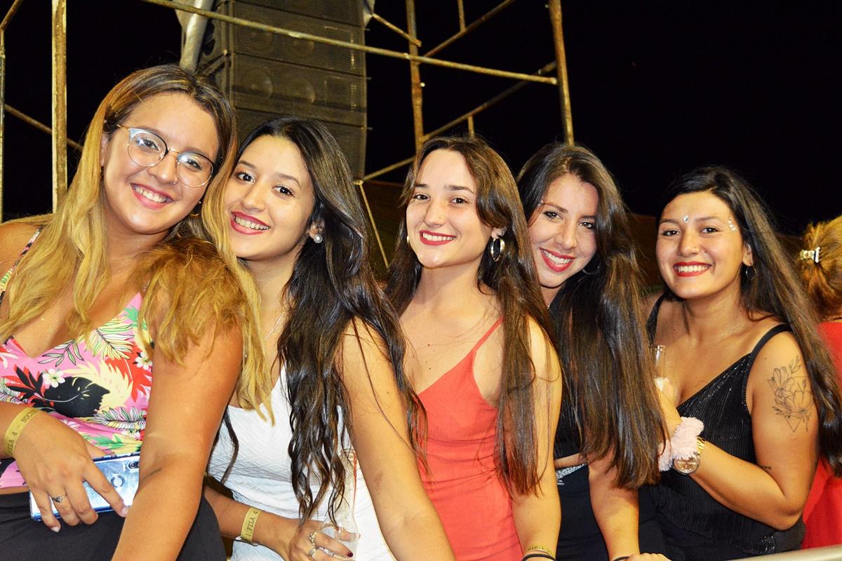 Hey!! Foto!! Foto!! en la cuarta noche del Carnaval de Concordia PARTE 4