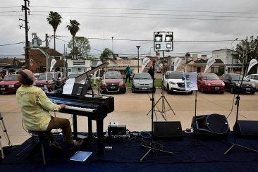 Retratos del primer auto concierto en Concordia