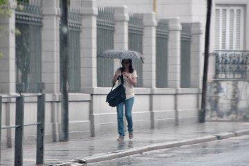 Sigue vigente un alerta por tormentas fuertes y lluvias intensas para Entre Ríos