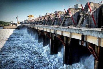 Salto Grande en un podio de los complejos hidroeléctricos más