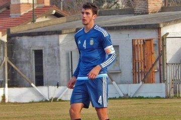 Senesi fue titular en el amistoso de Argentina ante Uruguay