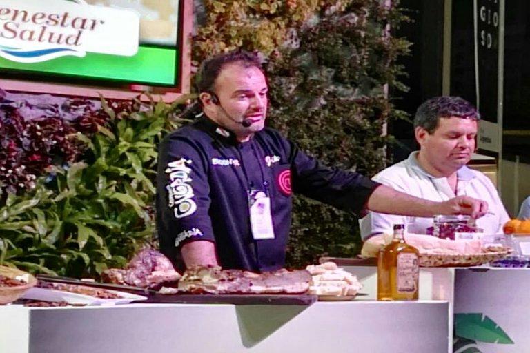 El chef Jacinto Echandía elaborará un plato típicos de la región de Salto Grande