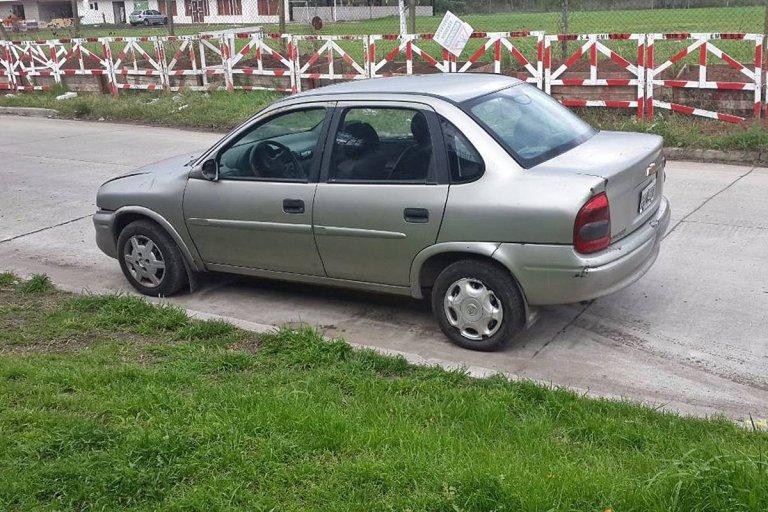 La titularidad de un auto modelo 2008 ya deja sin medicamento gratis