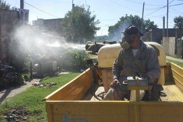 El Municipio sigue con trabajos de fumigación en distintos barrios de la ciudad