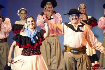 """El ballet concordiense """"Alas de mi patria"""" partió hacia la final de Cosquin 2017"""