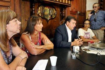 """Para el intendente de Colón la medición de CARU """"es una foto y el río Uruguay es una película"""""""