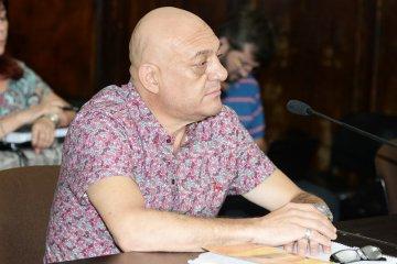 Gustavo Alfonzo pide salidas laborales a dos años de su condena