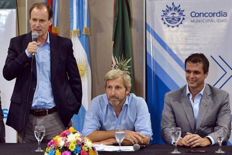 El ministro estuvo en Concordia para realizar una entrega de aportes para clubes