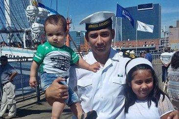 Un joven concordiense forma parte de la tripulación en la Fragata Libertad