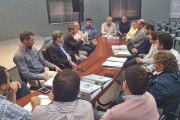 Municipios costeros entregaron los proyectos de saneamiento integral del Río Uruguay