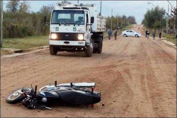 Un operario municipal sufrió graves lesiones tras ser atropellado por un motociclista