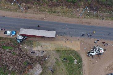 VIDEO: Impactantes imágenes del accidente protagonizados por dos camiones en Ruta 4
