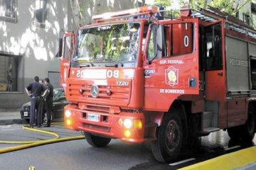 Tras el reclamo llegó una autobomba para los Bomberos Voluntarios de San Jaime