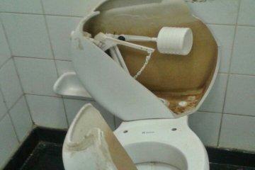 """El Director del hospital Masvernat lamentó que """"lo que no pudieron robar, lo rompieron""""."""