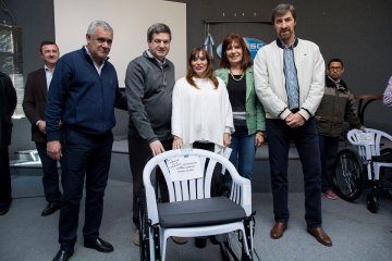 Concordia y Federación recibieron una importante donación de elementos ortopédicos
