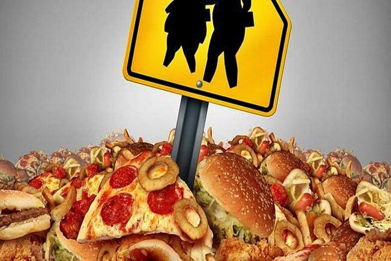 """La industria alimentaria de los """"ultraprocesados"""": nociva y adictiva."""