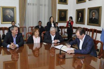 Invierten más de 230 millones de pesos en infraestructura educativa, sanitaria y productiva