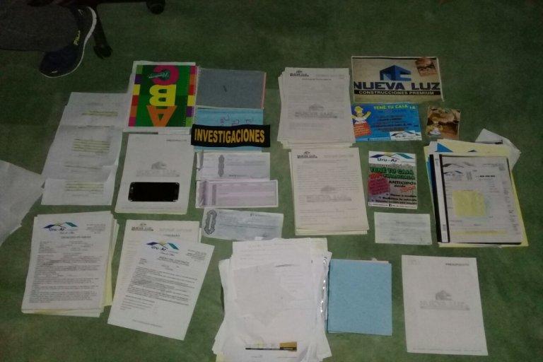 En los procedimientos se logró secuestrar gran cantidad de documentación.