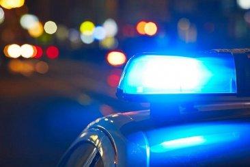 La policía lo detuvo cuando quería ingresar a las patadas donde estaba su pareja