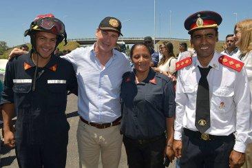 """El gobernador Bordet y los bomberos voluntarios tuvieron un """"gesto de acercamiento"""""""