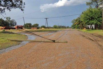 La tormenta de fin de año también golpeó en Los Charrúas