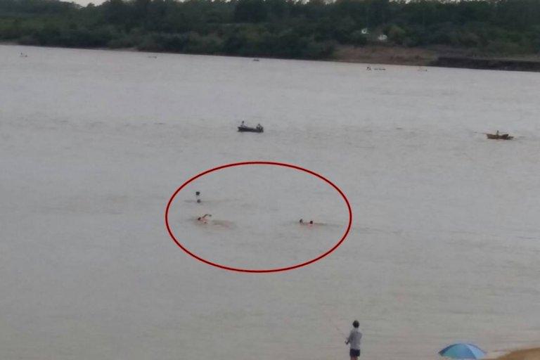 Dos turistas fueron rescatados por los guardavidas en la Tortuga Alegre.
