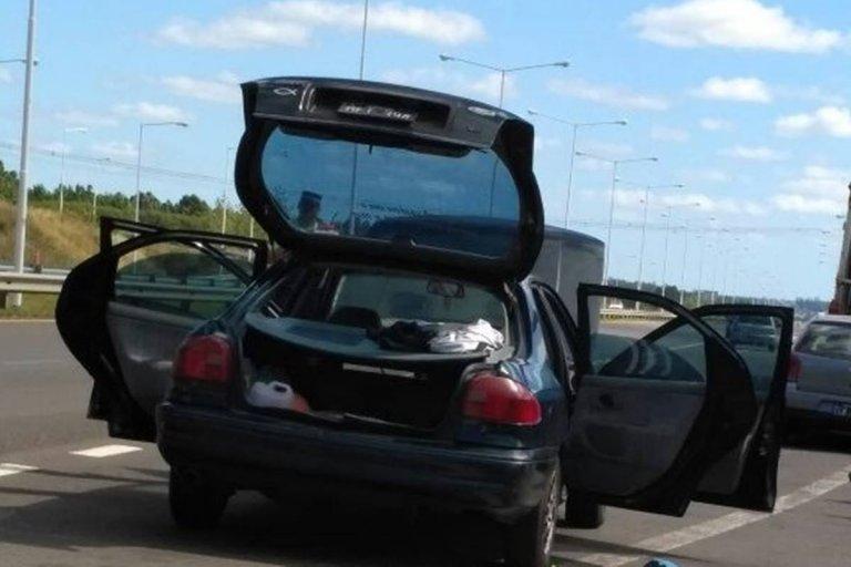 El conductor del automóvil fue correctamente identificado y recuperó