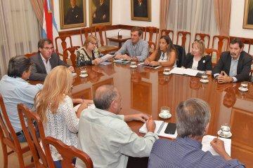 El gobierno provincial convocó a los gremios docentes