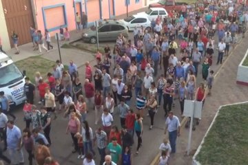 Un gran número de chajarienses formaron parte del Vía Crucis que recorrió las calles