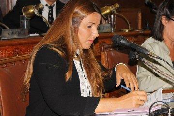 La concejal Amiano salió al cruce del diputado Lamadrid por las críticas a Bordet