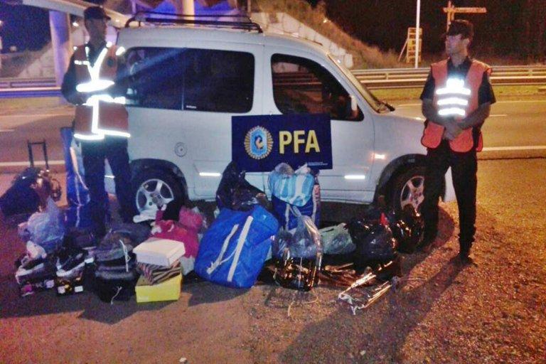 En un utilitario descubren mercadería ilegal valuada en 100 mil pesos