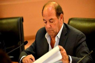 """Bahler se comprometió a exigir """"una rebaja del 50 por ciento en el precio de la electricidad"""