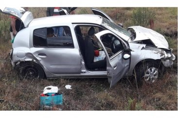 Una mujer resultó con graves heridas al despistar el auto en el que viajaba
