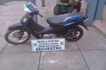 Quiso burlar a la policía mientras intentaba vender una moto robada