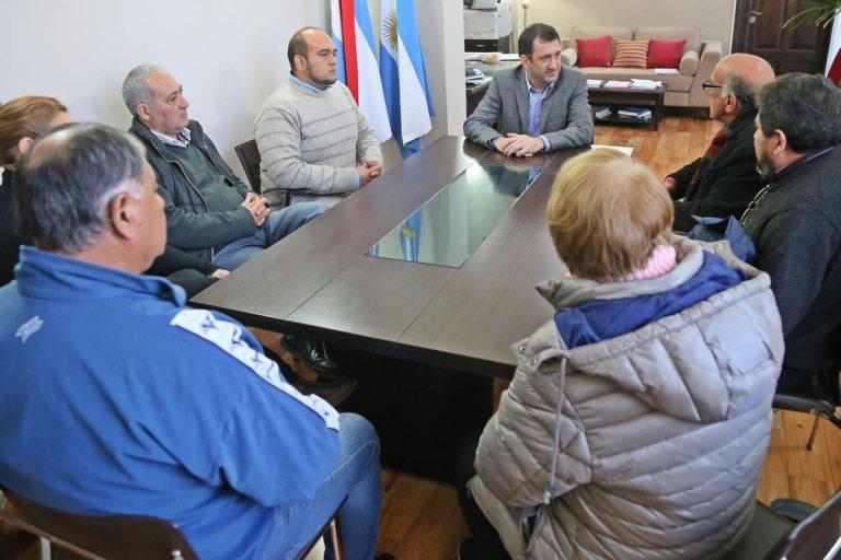 Kueider reunido con dirigentes del vecinalismo provincial