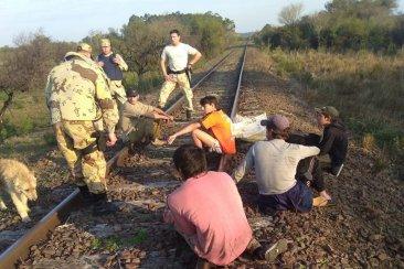 Cinco jóvenes cazadores armados fueron detenidos tras una persecución policial