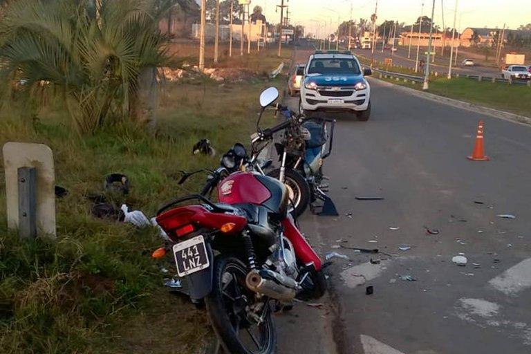 Las dos motos chocaron en la zona de Villa Adela