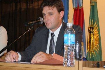 El intendente de Los Charrúas detalló las obras que se cobraron pero nunca se hicieron
