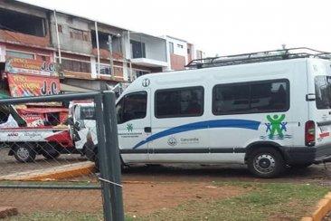 Polémica por una camioneta municipal fotografiada en Paraguay
