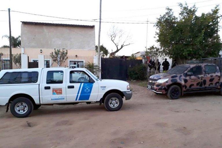 Una camioneta se destinó a Salud y una moto para la Policía.
