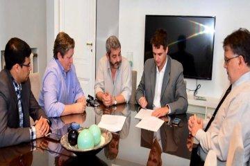 Municipio y PAMI firmaron convenio para beneficio de los adultos que asisten al PROMAR
