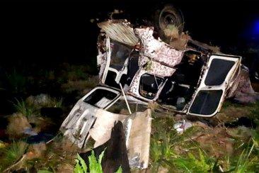 Dos concordienses despistaron con su auto al ser rozados por un camión